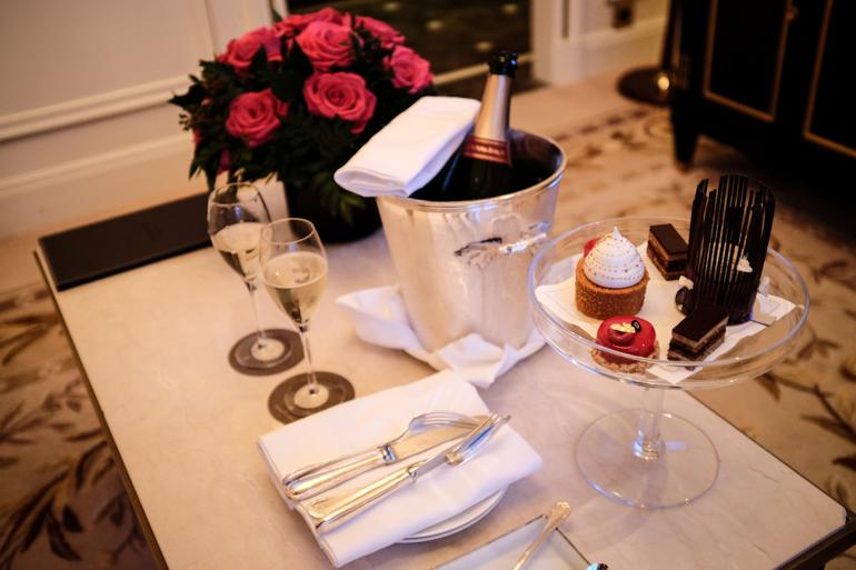 Style-Shiver-Travel-Paris-Shangri-La-Hotel-1