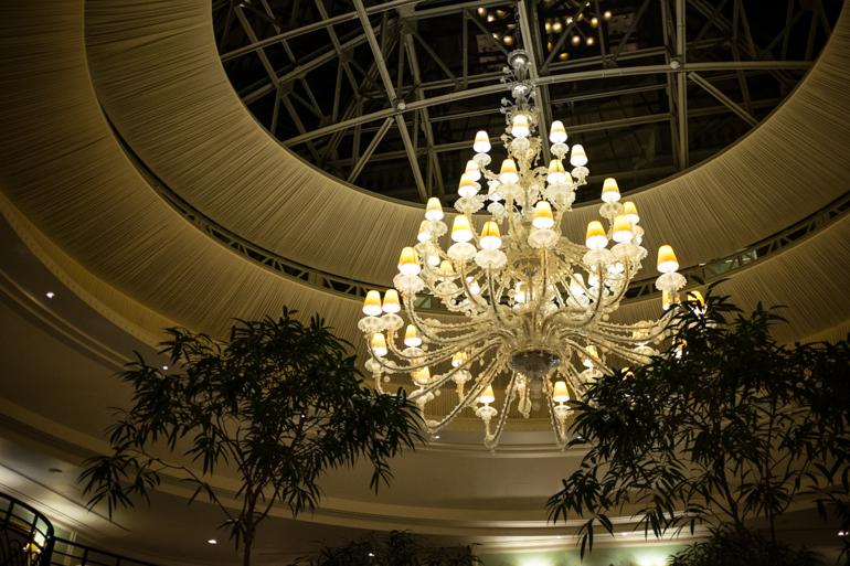 Style-Shiver-Travel-Paris-Shangri-La-Hotel-12
