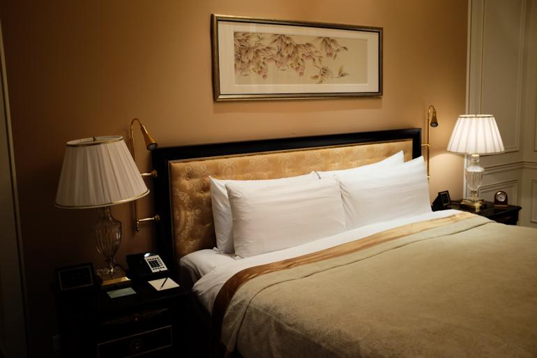 Style-Shiver-Travel-Paris-Shangri-La-Hotel-3