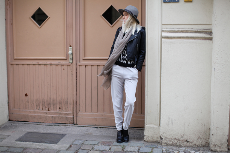 Style-Shiver-Outfit-Grey-3