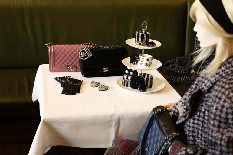 Style-Shiver-Fashion-Pressday-Chanel-AW15-11b