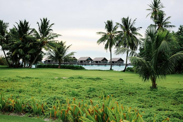 Style-Shiver-Travel-Shangri-La-Maldives-23