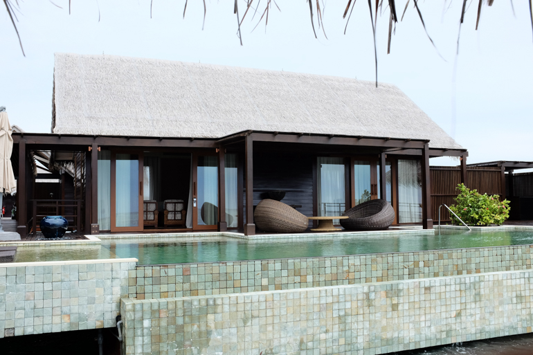Style-Shiver-Travel-Shangri-La-Maldives-33
