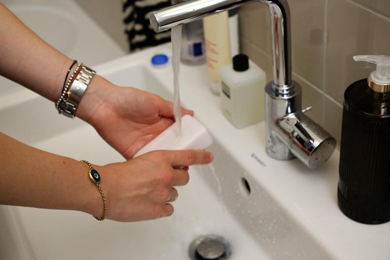Style-Shiver-Beauty-Erno-Laszlo-Face-Soap-3