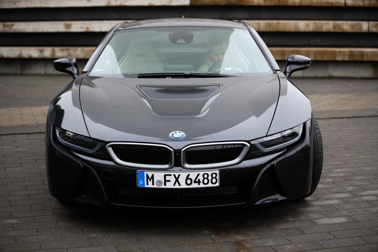 StyleShiver-BMW-I8-5