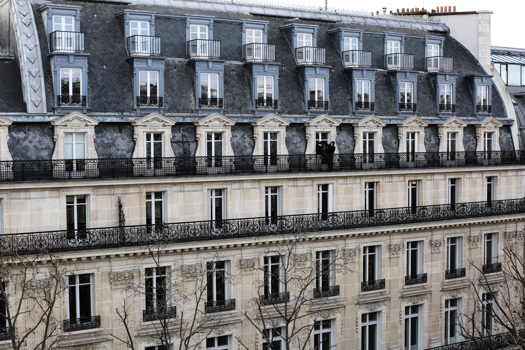 Style-Shiver-Travel-Intercontinental-Paris-6